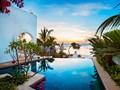 La belle piscine de la Royal Villa du Constance Aiyana Pemba