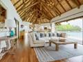 Le salon de la villa Sea Monkey, au style moderne et élégant