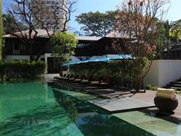 La piscine de l'hôtel de luxe 137 Pillars House à Chiang Mai
