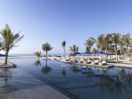 La piscine de l'hôtel Al Baleed Resort à Salalah