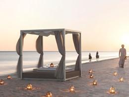 Un moment en toute intimité sur la plage de l'Al Baleed