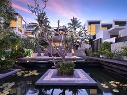 L'Aleenta Phuket Resort & Spa est un hôtel contemporain aux lignes épurées