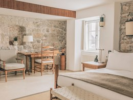 La Village Room