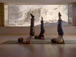 Séance de yoga à l'hôtel Amangiri