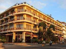 Vue de l'hôtel Amanjaya situé dans le centre ville de Phnom Penh