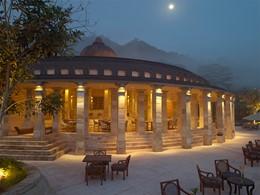 Autre vue du restaurant de l'hôtel Amanjiwo
