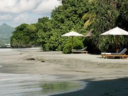La plage de l'hôtel Amankila à Bali