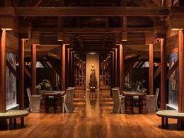 Le lobby de l'Amanpuri, un hôtel au style thaï traditionnel