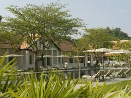 Autre vue de la piscine de l'hôtel Amantaka situé au Laos