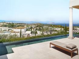 Profitez d'une superbe vue sur la campagne depuis la Pool Pavilion de l'Amanzoé
