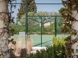 Le court de tennis de l'Amanzoé en Péloponnèse