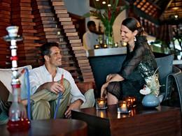 Détente au Vu Bar de l'hôtel Anahita The Resort