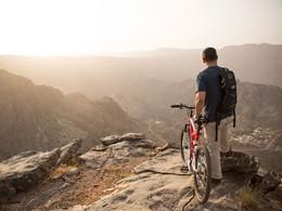 Balade à vélo dans la région de Djebel Akhdar à Oman