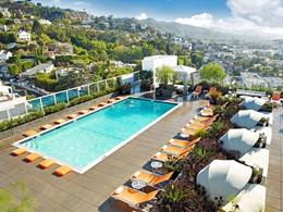 La piscine de l'Andaz West Hollywood vous offrira une sublime vue sur la ville.