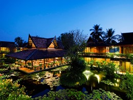 Le bassin de l'Angkor Village Hotel au Cambodge