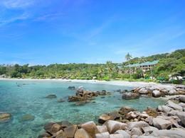 La plage de l'hôtel Angsana Resort à Bintan