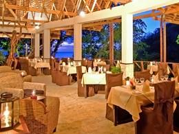 Le restaurant Treehouse de l'hôtel Anse Chastenet