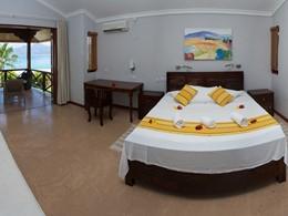 Premier Room de l'hôtel Anse Soleil Beachcomber