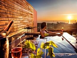 Contemplez un magnifique coucher de soleil depuis l'Areias do Seixo
