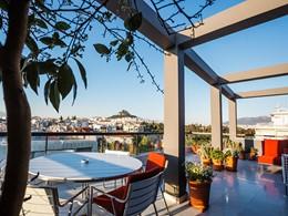 Profitez d'une superbe vue sur le quartier historique d'Athènes
