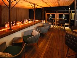 Rafraichissez vous au Terrace Bar