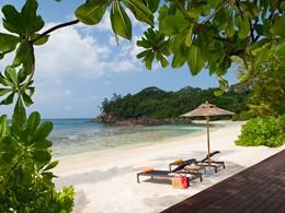 La plage de l'Avani Seychelles Barbarons Resort