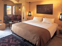 La chambre Deluxe de l'hôtel Bab Al Shams situé à Dubaï