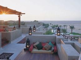 Le lounge Al Sarab de l'hôtel 4 étoiles Bab Al Shams Resort & Spa