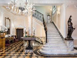 Le lobby du Baglioni, aux allures de somptueux palais du XXe siècle