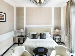 Grand Deluxe Room du Baglioni Hotel Regina, en Italie