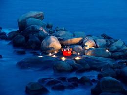 Dîner romantique sur les rochers du Banyan Tree