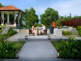Profitez d'un somptueux repas dans votre villa du Banyan Tree