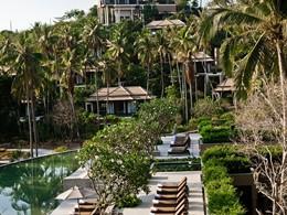 La piscine de l'hôtel de luxe Banyan Tree Samui en Thailande