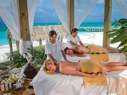 Détente et relaxation face aux eaux des Caraïbes à l'hôtel Beaches