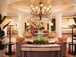 Le lobby de l'hôtel Beverly Hills à Los Angeles