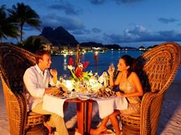 Dîner romantique à l'hôtel Pearl Beach Resort de Bora Bora