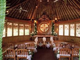 Chapelle de l'hôtel Pearl Beach Resort à Bora Bora