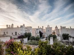 Vue du Borgo Egnazia, un hôtel à l'architecture traditionnelle