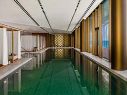 Une piscine intérieure est également à votre disposition