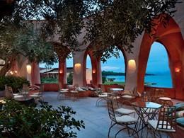 Le bar Atrium du Cala di Volpe en Sardaigne