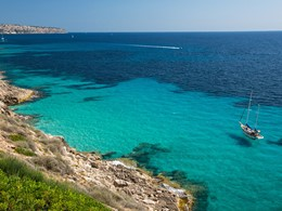 Vue de la mer méditerranée depuis le Cap Rocat