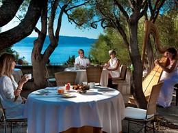 Le restaurant Gli Olivastri de l'hôtel Capo d'Orso
