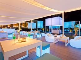 Le bar de l'hôtel Casa de La Flora situé en Thailande