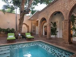 La jolie cour intérieure avec piscine de la Casa Antillana