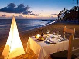 Dîner romantique sur la plage au restaurant Terrace Tapas
