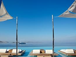 La piscine du Cavo Tagoo, le meilleur hôtel de Mykonos Town