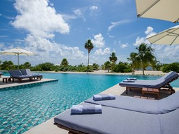 La piscine du Chable Maroma, un hôtel au design moderne et élégant