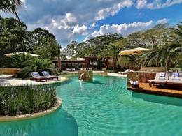 La superbe piscine du Chable Resort, un hôtel de luxe au Mexique