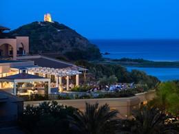 Le restaurant La Terrazza de l'hôtel Chia Laguna Resort
