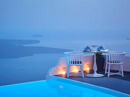 Dîner romantique à l'hôtel Chromata Santorin en Grèce